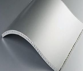 铝蜂窝板集成墙面特点
